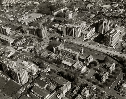 An aerial view of the central Dunedin campus in the late 1970s. Photograph courtesy of the Hocken Collections, S12-192J.
