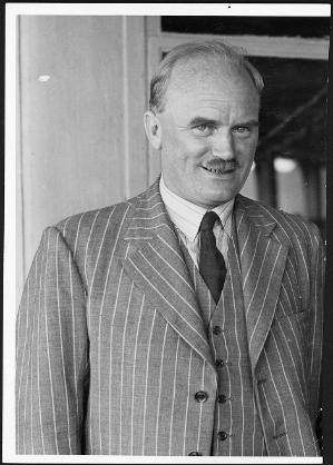 Otago's Professor of Chemistry, Frederick Soper (later the Vice-Chancellor), co-ordinated New Zealand's war efforts in chemistry. He is photographed around December 1946. Image courtesy of the Alexander Turnbull Library, New Zealand Free Lance collection, PAColl-8602-66.